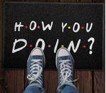 Capacho-Criativo---How-You-Doin---Friends---Preto